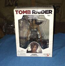 Tomb Raider Lara Croft Collectible Bust Figure Crystal Dynamics Square Enix Nib