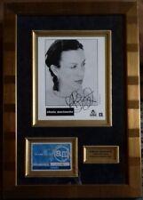 ALANIS MORISSETTE - SIGNED PHOTO MOUNT DISPLAY. FRAMED. 1999. COA/HOLOGRAM.