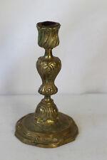 Bougeoir en bronze ciselures au pied au décor de feuillage