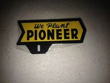 OLD STYLE PIONEER SEED AND FEED LICENSE PLATE TOPPER FARM BARN AGWAY