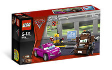 LEGO 8424 - Disney's Cars 2 - Mater's Spy Zone - 2011