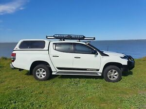 Mitsubishi Triton MR Stripes