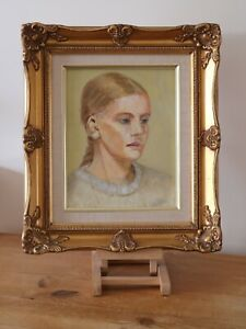 PORTRAIT OF A YOUNG GIRL - MID 20th CENTURY