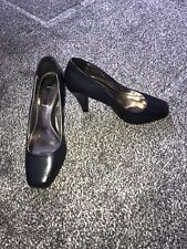 navy court shoes size 3