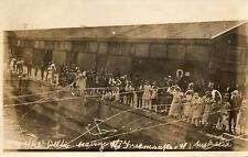 People Watching HMS Delhi leaving Freemantle W. AUSTRALIA RP Postcard (198RP)