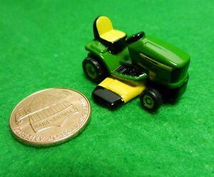 1:64 ERTL John Deere Riding Lawn Mower NEAT!