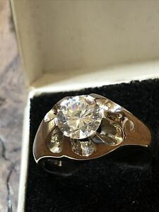 Mens Gents 9ct White Gold Zirconium Diamond Claw Set Gypsy Sygnet Ring Size R