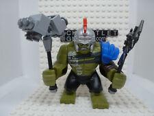 Lego Minifig: Hulk - Giant, with Armor (76088) - sh413