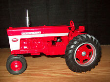 SCALE 1/16 TRACTOR IH FARMALL 460 NARROW FRONT 2008 RED POWER ROUND UP NICE