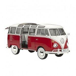 Revell 1/24 Volkswagen T1 Samba Bus - 07399 Plastic Model Kit