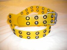 BRAND NEW 2 HOLES PLASTIC COMBINATION OF YELLOW AND BLACK 1  1/2 IN WIDE SIZE XS