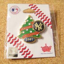 2007 NY New York Yankees Season's Greetings lapel pin Christmas tree