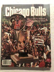 1991 92 CHICAGO BULLS Yearbook MICHAEL JORDAN Scottie PIPPEN Phil JACKSON Grant