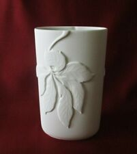 Thomas Porzellan - Vase oval H. 20,5 cm. Bisquit Porzellan Relief Kastanienblatt