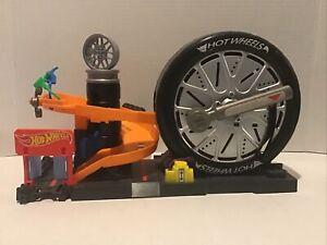 Mattel Hot Wheels FNB17 2017 Service Station