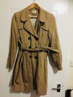 Marks And Spencers Beige Light Weight Tradional Mac Jacket Size 12