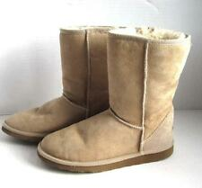 Minnetonka Sheepskin Shearling Moccasin Boots Women's Size 7 Tan Short