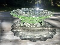 Grün Art Déco Orion Lausitzer Glas Schale Pressglas Glasschale Dreifüssig