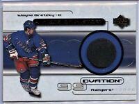 1999-00 Wayne Gretzky UD Ovation - Piece Of History Puck #POH-WG (110319-03)