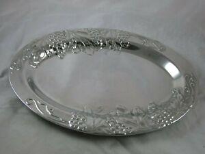 "Wilton Co Armetale Metal Silver Color Oval Platter Grapes Leaves Vine 15.5"" x 11"