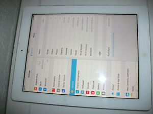 Apple iPad 2 9.7in 16GB Wi-Fi Tablet - White***CRACKED DIGITIZER***