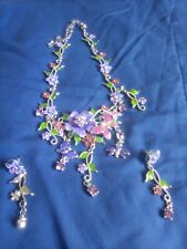 PRETTY ORNATE NECKLACE AND EARRINGS SET. PINK PURPLE AND SILVER COLOURS