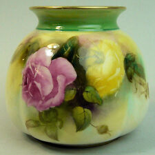 A FINE ANTIQUE HADLEY'S ROYAL WORCESTER PORCELAIN HAND PAINTED ROSES VASE c.1909