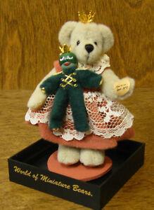 "World of Miniature Bears #679 PRINCESS N' FROG , by Sherri Dodson 6"""