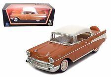 ROAD SIGNATURE 1:18 1957 CHEVROLET BEL AIR WITH WHITE TOP Diecast Car 92109GLD