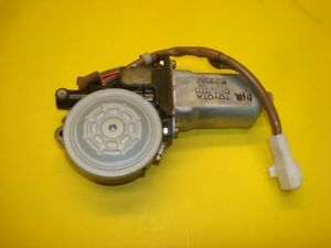 95 96 97 Lexus LS400 Power Window Motor Left Driver Rear 85710-50050