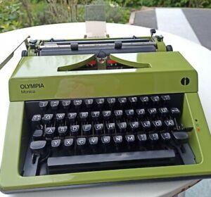 Schreibmaschine Olympia Monica Kofferschreibmaschine grün