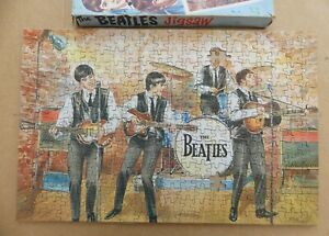 THE BEATLES card jigsaw puzzle  TAVERN CLUB 340 pc.  1965  NEMS Enterprises