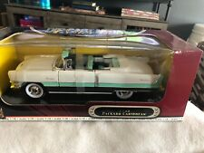 Road Signature Packard 1955 Caribbean Convertible 1:18 Scale Die Cast