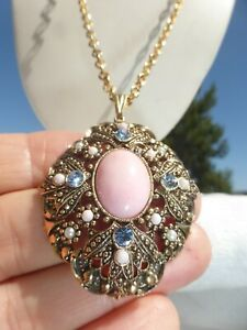 WONDERFUL VINTAGE Gold Tone BLUE RHINESTONE Pink Glass Cabochon NECKLACE by Avon
