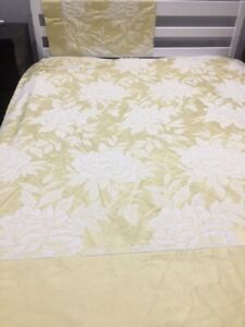 Dorma King Duvet Cover Set with 1 Pillowcase Yellow Gold Jacquard Damask Floral