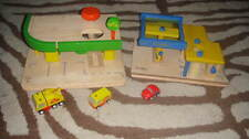 PLAN TOYS GAS  STATION AND REPAIR SERVICE STATION LOT