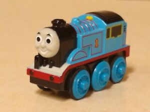 Thomas Wooden Railway Train MOTORIZED Battery Operated Metal Die Cast 2002 Works