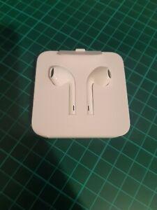 Apple Lightning EarPods for iPhone 7 Plus, 8, 11, X, XR, XS - White, Brand New