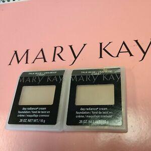 Lot of 2~Mary Kay Day Radiance Cream Foundation TRUE BEIGE 014687 RARE .35 oz