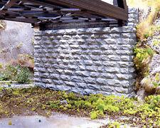 Chooch Enterprises N Scale Double-Track Cut Stone Bridge Abutment 2-Pack