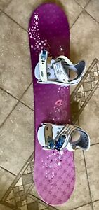 BURTON SNOWBOARD WITH BINDINGS FOR GIRLS -SLIGHTLY USED --ONLY ONCE-110cm length