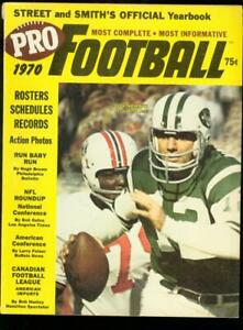 STREET AND SMITH'S PRO-FOOTBALL YEARBOOK 1970 NAMATH FN