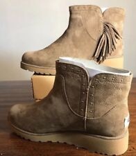 UGG CINDY DKC LEATHER FRINGE METAL STUDS ANKLE BOOTIES BOOTS WOMENS SIZE 6.5