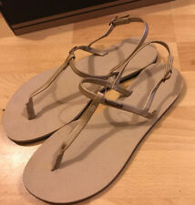 BNWT HAVAIANAS Gold Sandles Size 6/7