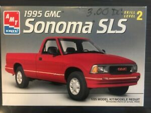 1/25 AMT - 1995 GMC Sonoma SLS - Plastic Model Kit