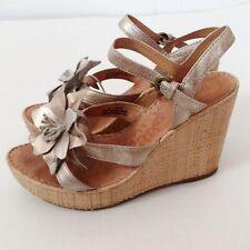 BORN W22200 MISS Metallic Panna Cotta Leather Raffia Wedge Sandal Size 9 EU 40.5