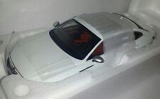Paudi 1:18 Volkswagen Arteon wit nieuw in VW dealer doos