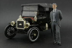 Henry Ford Figure for 1:18 Model T MotorCityClassic   !! NO CAR !!