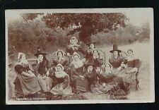 Wales Carmarthenshire LLANDISSILIO Merched National dress fashion 1905 RP PPC