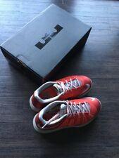 Nike Air Max Lebron 10 Bassi, Regno Unito misura 7, US 8, EUR 41, Col Rosso/Grigio